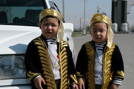 Jalal Abat - Children with traditional costume