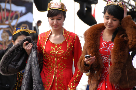Silk Road - Kyrgyz fashion costumes