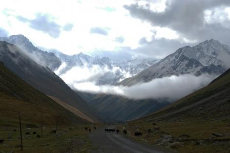 Chong Ashuu Pass 3.822 m